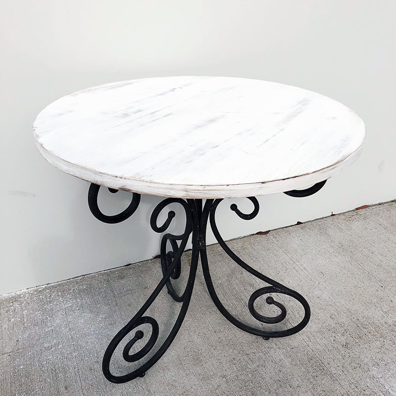 Scroll Leg Round Table