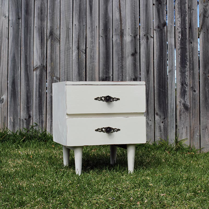 Vintage White 2 Drawer Table